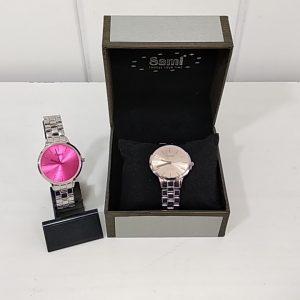 Reloj Sami señora correa metálica nude caja rosa. XaQueXulo